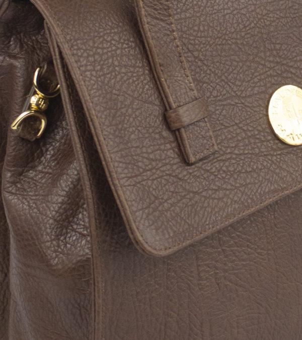 alii-brown-detail-1