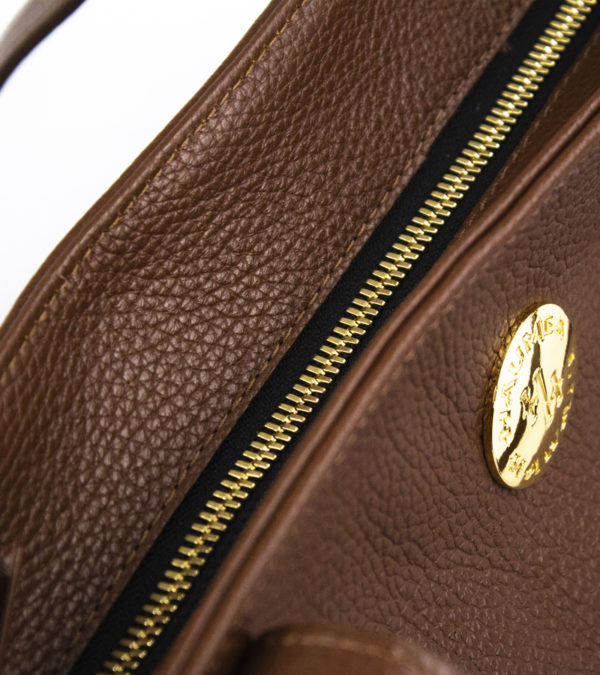 aulii-pebble-brown-detail-1